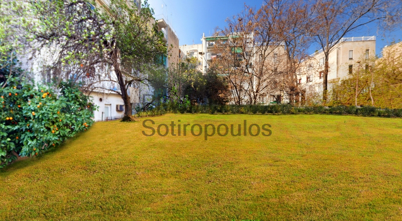 Rare plot of land near the Acropolis, Makrygianni