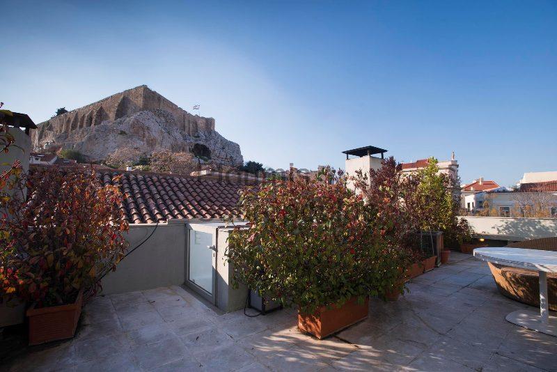 Modern Townhouse in Plaka Greece for Sale