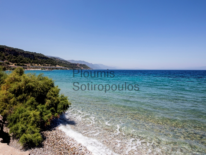 Beachfront Villa on the Gulf of Corinth