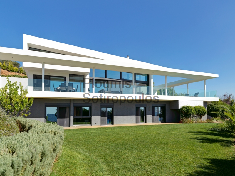 Contemporary Luxury in Pallini