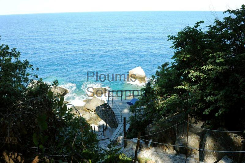 A Paradise at the Edge of Pelion