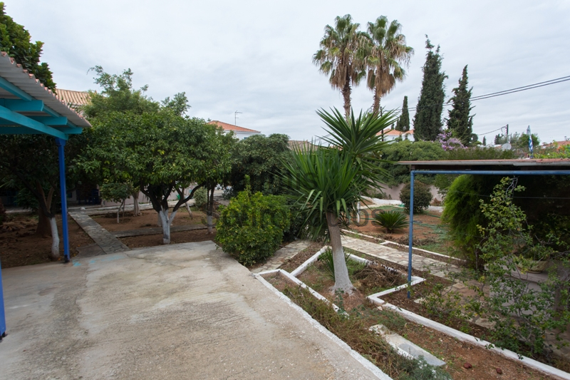 Residence with a Garden Above the Palaio Limani, Spetses