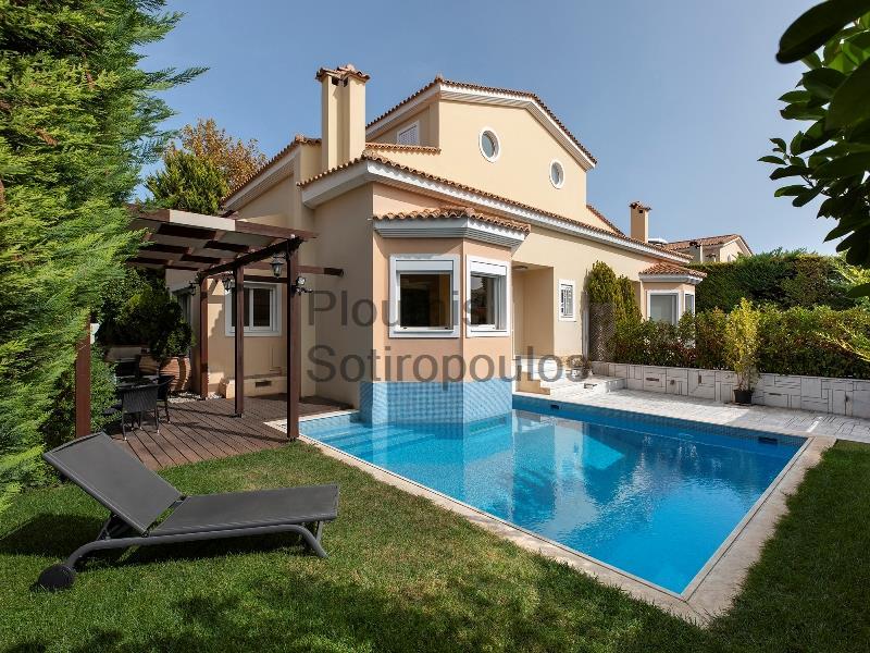Independent Residence in Varkiza Greece for Sale