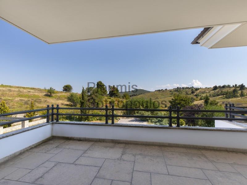 Luxurious villa in Kapandriti Greece for Sale