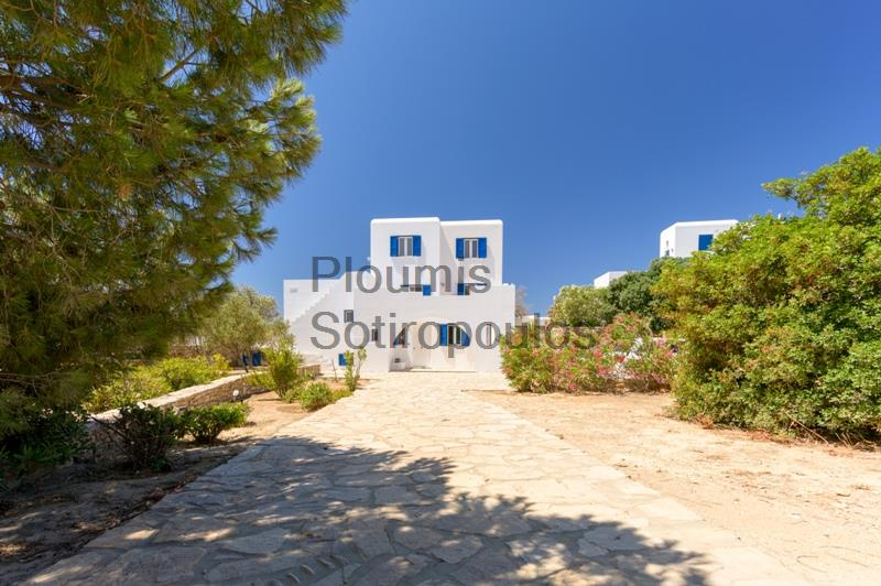 An Independent Residence Next to the Sea, Antiparos