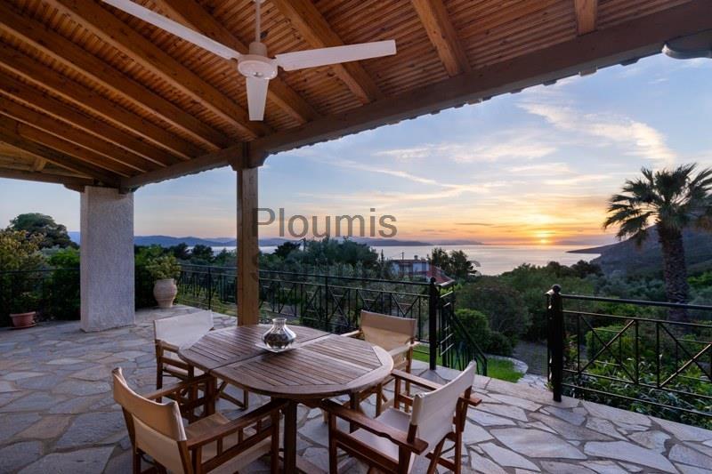 Villa in Dafni, Evia Greece for Sale
