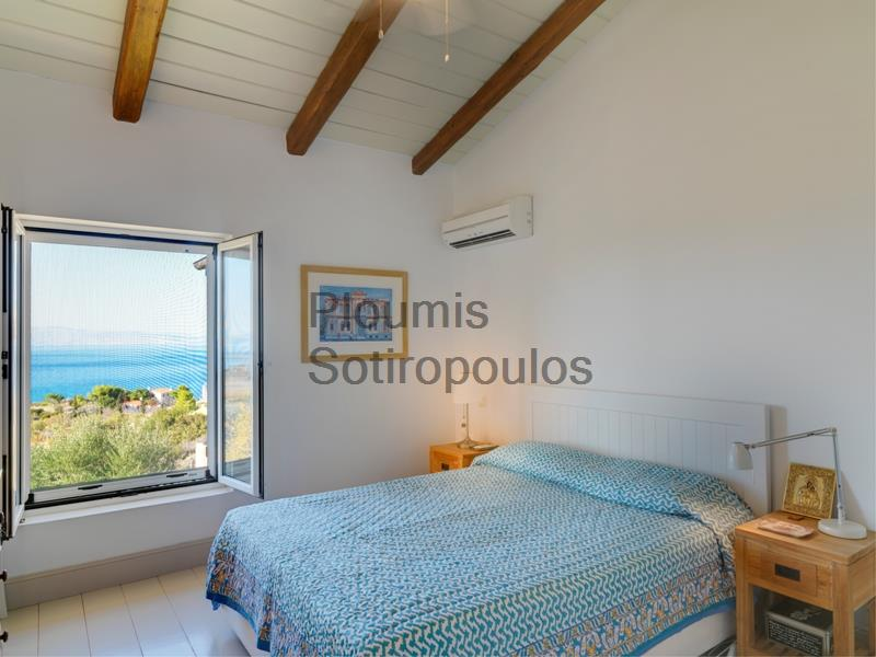 Beautiful Residence in Aegina Greece for Sale