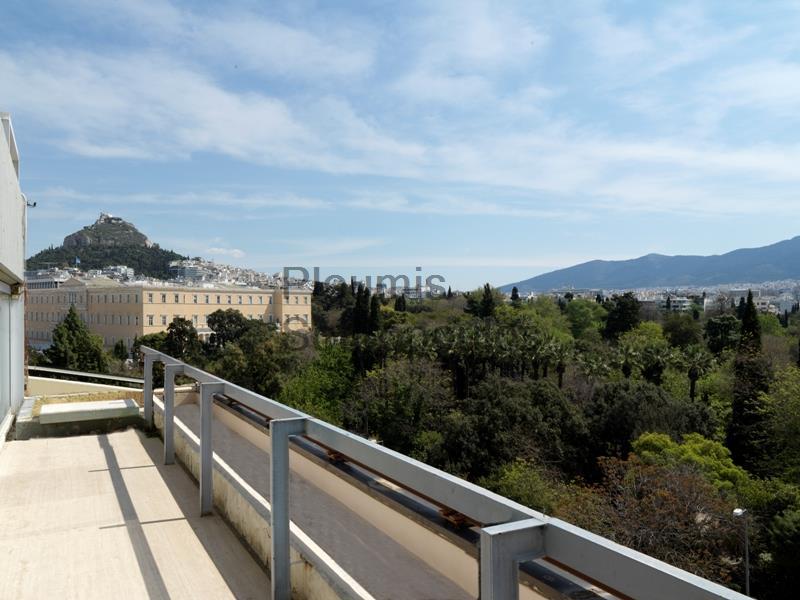 Μεγάλης Προβολής Ακίνητο επί της Λεωφ. Αμαλίας, Σύνταγμα Ελλάδα προς Πώληση
